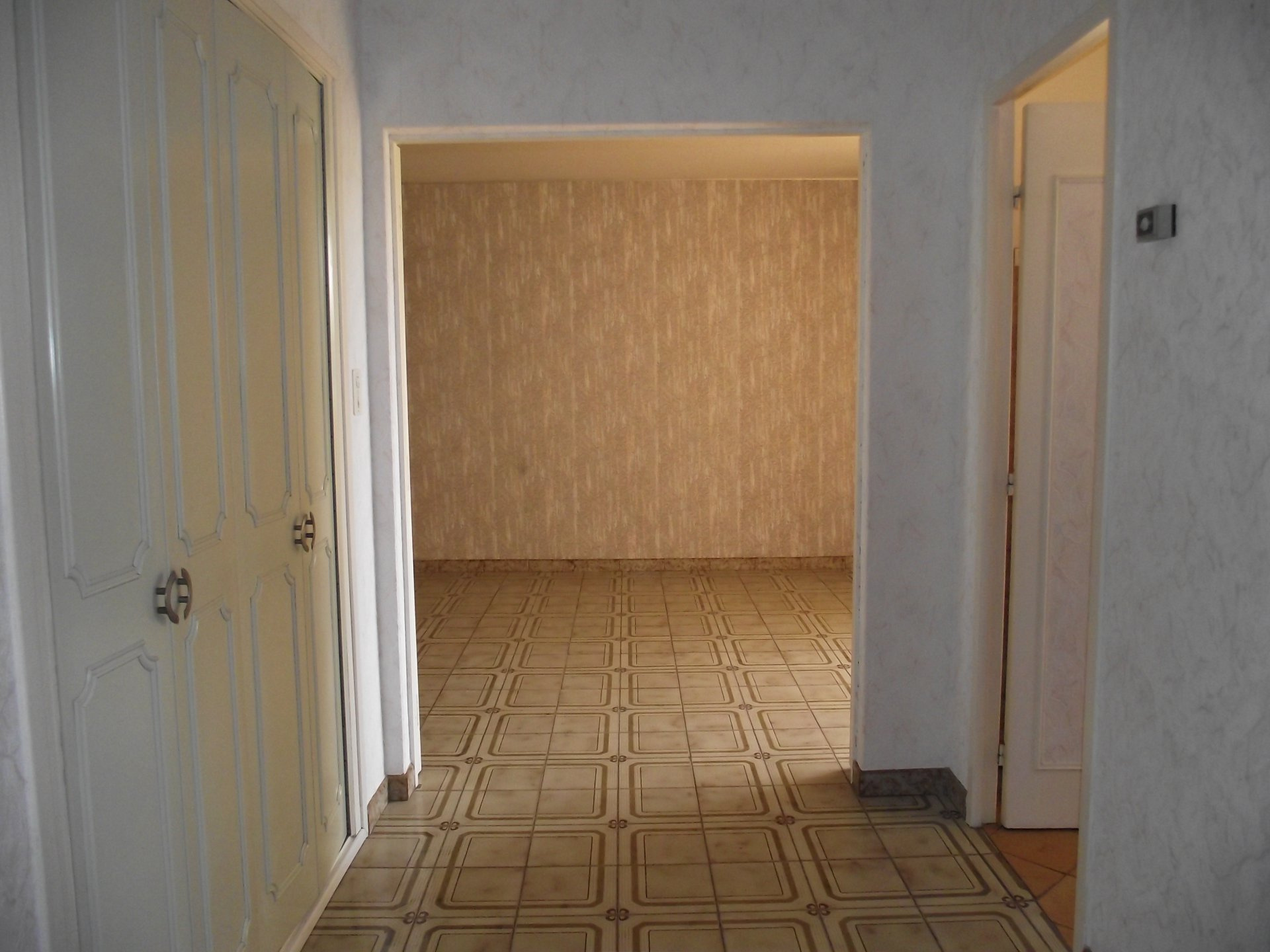 property_areas:11 property_flooring:2